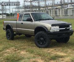 "2003 Chevrolet S10 - 17x9 -12mm - Xd Rockstar Ii - Suspension Lift 6"" - 265/75R17"