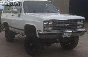 """1989 Chevrolet Blazer - 17x9 1mm - Fuel Hostage - Suspension Lift 4"""" - 33"""" x 12.5"""""""