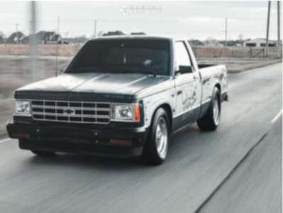 1984 Chevrolet S10 - 15x7 0mm - Vision Sport Star - Lowered 3F / 5R - 215/65R15