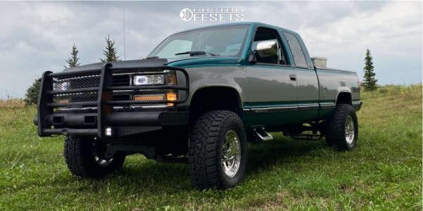 "1994 Chevrolet K2500 - 17x9 0mm - Mickey Thompson Classic Iii - Suspension Lift 6"" - 35"" x 12.5"""