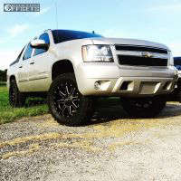 "2008 Chevrolet Avalanche - 20x10 -12mm - Fuel Maverick - Leveling Kit - 35"" x 12.5"""