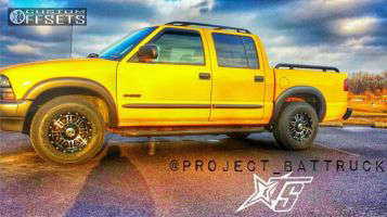 2004 Chevrolet S10 - 15x8 25mm - Alloy Ion 186 - Stock Suspension - 235/75R15