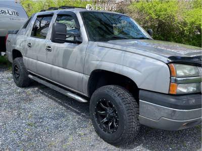 "2004 Chevrolet Avalanche 1500 - 17x9 -12mm - Moto Metal mo970 - Suspension Lift 2.5"" - 32"" x 10.5"""