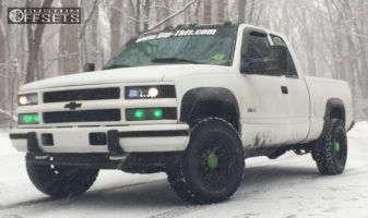 "1997 Chevrolet K2500 - 16x8 -6mm - U.S. Wheel 97 Series - Stock Suspension - 30"" x 10.5"""