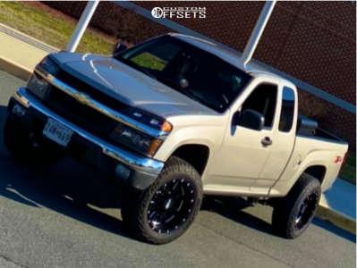 """2004 Chevrolet Colorado - 18x10 -24mm - Moto Metal 962 - Stock Suspension - 33"""" x 12.5"""""""