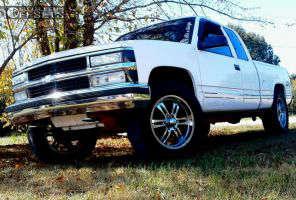 "1996 Chevrolet K1500 - 20x9 0mm - Mb Wheels Gunner - Level 2"" Drop Rear - 305/55R20"