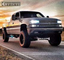 "2000 Chevrolet Silverado 1500 - 20x12 -44mm - Hostile Exile - Suspension Lift 6"" & Body 3"" - 35"" x 12.5"""
