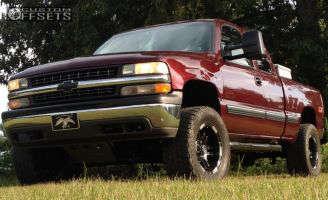 "1999 Chevrolet Silverado 1500 - 18x9 -12mm - Moto Metal MO951 - Suspension Lift 8"" - 325/60R18"