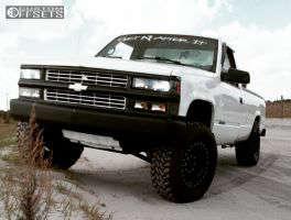 """1997 Chevrolet K2500 - 17x9 -12mm - Mickey Thompson 152 - Leveling Kit - 33"""" x 12.5"""""""
