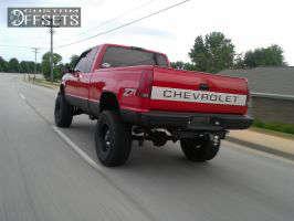 "1995 Chevrolet Silverado 1500 - 18x9 -11.938mm - XD Riot - Suspension Lift 6"" - 36"" x 13.5"""