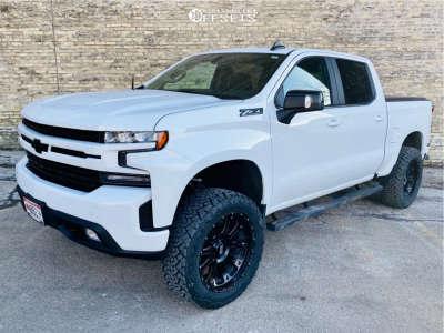 "2020 Chevrolet Silverado 1500 - 22x10 -18mm - XD Hoss 2 - Suspension Lift 4"" - 35"" x 12.5"""