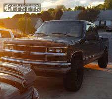"1998 Chevrolet K1500 - 15x8 -22mm - Mickey Thompson Classic III - Stock Suspension - 33"" x 12.5"""