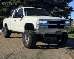 """1994 Chevrolet K1500 - 20x12 -44mm - Hostile H108 - Suspension Lift 6"""" - 33"""" x 12.5"""""""