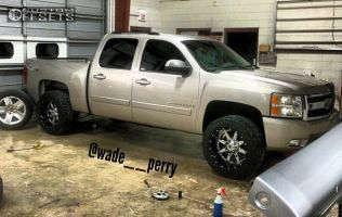 "2007 Chevrolet Silverado 1500 - 20x12 -44mm - Fuel Maverick - Suspension Lift 3.5"" - 33"" x 12.5"""