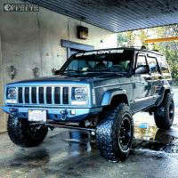 """1999 Jeep Cherokee - 15x10 -43mm - Fuel Lethal - Suspension Lift 3"""" - 33"""" x 10.5"""""""