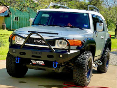 2012 Toyota FJ Cruiser - 17x9 18mm - Mayhem Fierce - Stock Suspension - 285/70R17