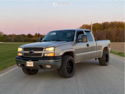 "2004 Chevrolet Silverado 1500 - 18x10 -24mm - Moto Metal Mo970 - Leveling Kit - 31"" x 12.5"""