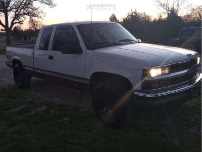 1998 Chevrolet K1500 - 16x8.5 1mm - Fuel Blitz D673 - Stock Suspension - 265/70R16