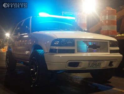 2004 Chevrolet Blazer - 16x8 0mm - Gear Off-Road Double Pump - Stock Suspension - 245/70R16