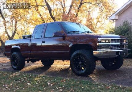 """1996 Chevrolet C1500 - 17x9 -12mm - Raceline Assault - Suspension Lift 4"""" - 285/70R17"""