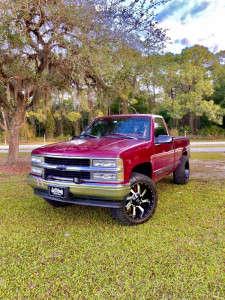 "1995 Chevrolet C1500 - 20x10 -24mm - Karma Offroad K23 - Suspension Lift 2.5"" - 33"" x 11.5"""