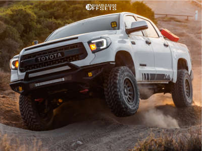 """2014 Toyota Tundra - 18x8.5 25mm - Icon Alloys Compression - Suspension Lift 3"""" - 35"""" x 12.5"""""""