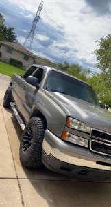 "2006 Chevrolet Silverado 1500 - 18x10 -24mm - Moto Metal Mo978 - Stock Suspension - 33"" x 12.5"""