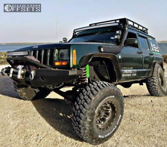 """1998 Jeep Cherokee - 15x8 -18mm - Fuel Lethal - Suspension Lift 6.5"""" - 35"""" x 12.5"""""""