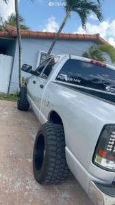 """2007 Dodge Ram 2500 - 20x12 -44mm - Moto Metal Mo962 - Leveling Kit - 33"""" x 12.5"""""""