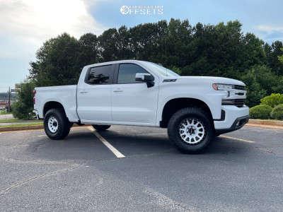 "2021 Chevrolet Silverado 1500 - 18x9 -12mm - Method Mr305 - Suspension Lift 3"" - 25"" x 70"""