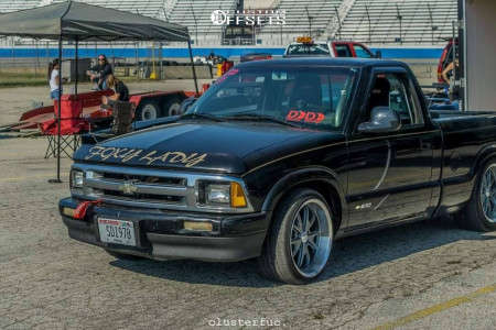 """1994 Chevrolet S10 - 18x9.5 12mm - Vision Torque - Lowered 4F / 6R - 27"""" x 10.5"""""""