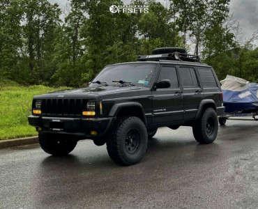 "1998 Jeep Cherokee - 15x7 -6.096mm - American Racing Baja - Air Suspension - 31"" x 10.5"""
