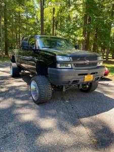 "2004 Chevrolet Silverado 2500 HD - 22x14 -76mm - XD Riot - Suspension Lift 7"" & Body 3"" - 355/40R22"