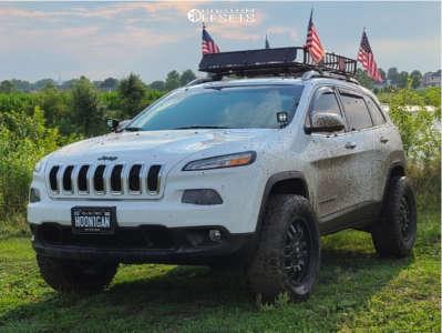 "2016 Jeep Cherokee - 18x9 -12mm - Fuel Sledge D595 - Suspension Lift 2.5"" - 32"" x 9.5"""
