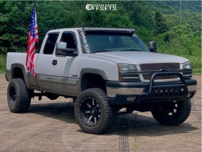 """2003 Chevrolet Silverado 2500 HD - 20x12 -44mm - Fuel Maverick D537 - Suspension Lift 6"""" - 35"""" x 12.5"""""""