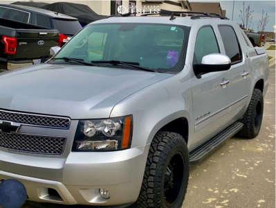 2013 Chevrolet Avalanche - 18x9 -12mm - TIS 538b - Stock Suspension - 275/65R18