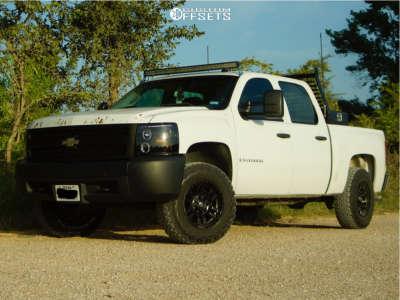 "2007 Chevrolet Silverado 1500 - 17x9 2mm - Fuel Sledge - Leveling Kit - 32"" x 9.5"""