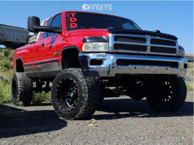 "1999 Dodge Ram 2500 - 20x12 -44mm - TIS 544bm - Suspension Lift 6"" - 35"" x 12.5"""