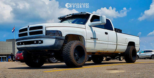 "1997 Dodge Ram 1500 - 20x12 -51mm - Vision Rocker 412 - Leveling Kit - 33"" x 12.5"""