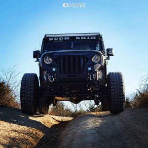 "2018 Jeep Wrangler JK - 16x9.5 0mm - Mickey Thompson Classic - Suspension Lift 4"" - 35"" x 12.5"""