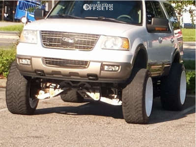"""2003 Ford Expedition - 24x14 -75mm - American Truxx Striker - Suspension Lift 10"""" - 37"""" x 14.5"""""""