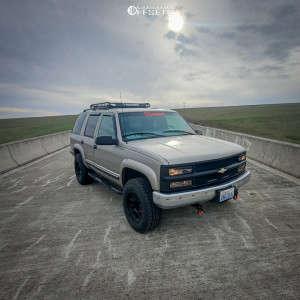2000 Chevrolet Tahoe - 17x9.5 -18mm - Black Rhino Chase - Leveling Kit - 265/70R17