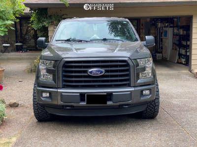 "2016 Ford F-150 - 20x9 1mm - Fuel Siege - Stock Suspension - 33"" x 12.5"""