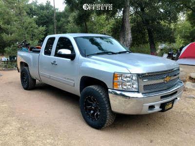 "2013 Chevrolet Silverado 1500 - 17x9 -12mm - Moto Metal Mo970 - Leveling Kit - 33"" x 11.5"""