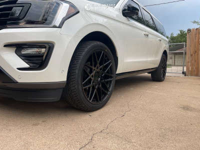 2021 Ford Expedition - 24x9.5 30mm - Status Griffin - Stock Suspension - 285/40R24