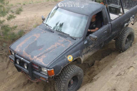 "1987 Toyota Pickup - 15x10.5 -38mm - Pro Comp 51 - Suspension Lift 6"" - 33"" x 12.5"""