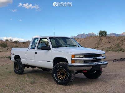 "1995 Chevrolet K1500 - 16x8 0mm - Method Mr305 - Suspension Lift 3"" - 285/75R16"