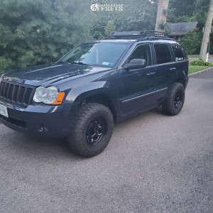 "2009 Jeep Grand Cherokee - 17x8 4.5mm - Black Rock Type 8 - Suspension Lift 2.5"" - 31"" x 10.5"""