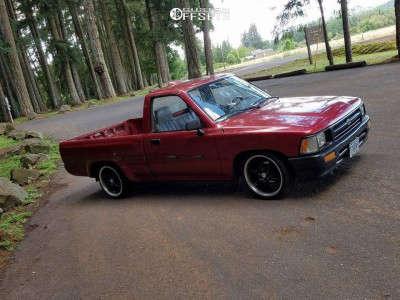 1994 Toyota Pickup - 17x7.5 0mm - Raceline 139b - Lowered 4F / 6R - 225/40R17
