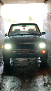 1986 Nissan 720 - 16x6.5 0mm - Ultra Wheels Idk - Stock Suspension - 215/65R16